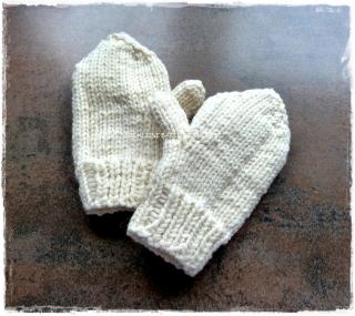 Baby Handschuhe ♥ Kleinkinder Handschuhe ♥ gestrickte Handschuhe ♥ Baby Fäustlinge ♥ creme-weiß ♥ Die kleine Bastelwerkstatt