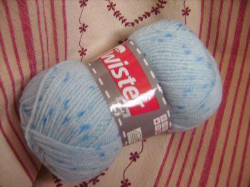 Strickgarn Twister Baby Fb. 50, hellblau mit blauen Flitzen, Babywolle, Nadelstärke 2-3
