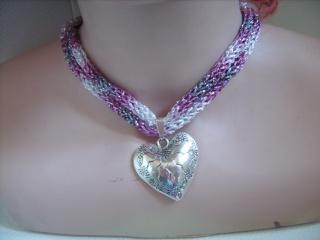 Dirndlkette mit Magnetverschluß, handgearbeitet,  rosa, grau, silber, ca. 40 cm lang, leicht elastisch,              - Handarbeit kaufen