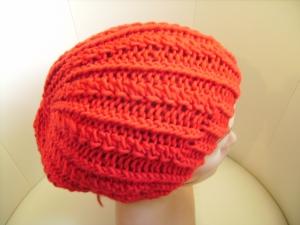 Mütze/Beanie, handgestrickt aus Wollmischgarn, KU ca. 54-58cm, rot