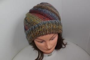 Damen-Mütze/Beanie *Spirale*, handgestrickt aus Wollmischgarn, KU ca. 55-58cm, bunt