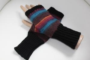 handgestrickte Arm-/Handstulpen mit Daumenloch für Damen und Herren, bunt gestreift