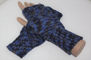 handgestrickte Arm-/Handstulpen mit Daumenloch für Damen und Herren, blau - Handarbeit kaufen