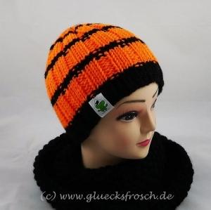 Leuchtende Strickmütze in orange und schwarz