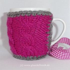 Tassenwärmer in pink mit Zopfmuster