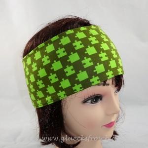 Stirnband, grün mit Puzzlemuster aus Jersey