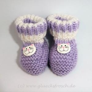 Babyschuhe, Babystiefel, lila und weiß mit Katzen, 9 cm Fußsohlenlänge