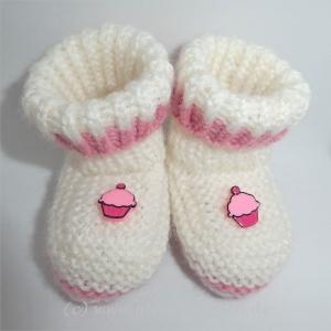 Babyschuhe, weiß und rosa mit kleinem Muffin, Fußlänge 8,5 cm