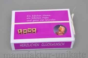 Schachtel zur Geburt oder zur Taufe mit Namen vom Kind - Geldgeschenk - Spruch - Kräftiges ROSA / Mädchen - HERZLICHEN GLÜCKWUNSCH