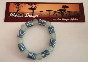 Tolles Armband aus handgefertigten afrikanischen Glasperlen in Blau und Weiss