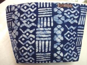 Größere Tasche genäht aus typisch afrikanischem Batikstoff in Blau und Weiß kaufen - Handarbeit kaufen