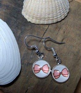 Ohrhänger mit Schleifchen in rosa, niedlich, versilbertes Messing