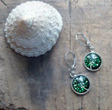 Ohrringe Zweig in grüntönen, hübsch, versilbert - Handarbeit kaufen