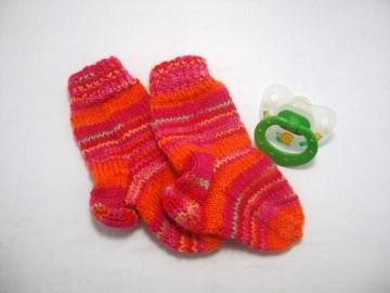 Babysöckchen 0-3 Monate, tolle Farben, schön warm