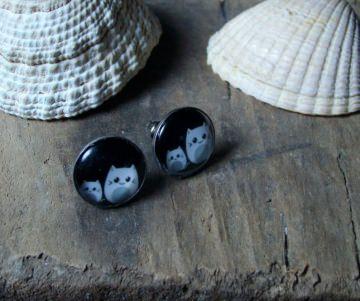Ohrstecke mit kleinen Kätzchen in weiß-schwarz, 12mm
