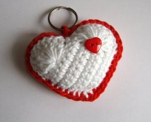 Schlüsselanhänger Herz in weiß und rot, niedlich - Handarbeit kaufen