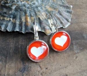 Ohrringe weißes Herz auf rotem Grund, zum klappen, süß - Handarbeit kaufen