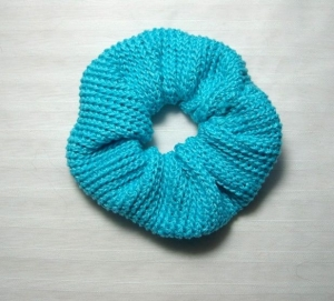 Gehäkeltes Scrunchie in türkis, 100% Baumwolle, Haargummi, Zopfgummi - Handarbeit kaufen