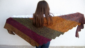 Drachenschwanz/ Drachenschal in schwarz-bunt-glitzer 50% Baumwolle , XXL - Handarbeit kaufen