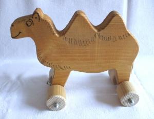 Handgefertigtes Spielzeug-Kamel  aus Holz für Kinder, zum Nachziehen und Schieben -Deutsche Handarbeit- - Handarbeit kaufen