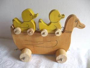 Handgefertigtes Enten- und Kükenset aus Holz für Kinder -Deutsche Handarbeit- - Handarbeit kaufen