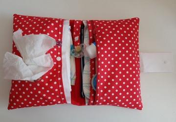 Wickeltasche , Windeltasche in rot mit weißen Punkten, ausreichend Platz für die wichtigsten Dinge
