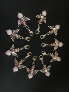 10 stylische Perlenengel mit Karabinerhaken, handmade, Schutzengel, Anhänger, Weihnachten, Weihnachtsgeschenk, Streudeko