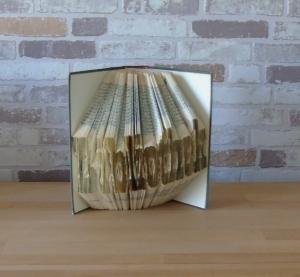 gefaltetes Buch - Bibliothek//  Dekoration // Geschenk // Bookfolding // Leseratten // Buchliebhaber - Handarbeit kaufen