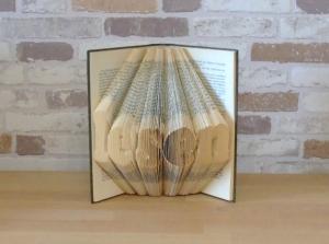 gefaltetes Buch - Lesen // Bookfolding // Book Art // Buchkunst // Dekoration // Geschenk für Sie // Geschenk für Ihn - Handarbeit kaufen