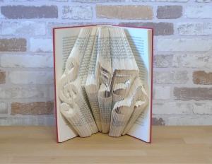 gefaltetes Buch - Notenschlüssel mit Noten // Buchkunst // Bookfolding // Geschenk // Dekoration // Musikliebhaber - Handarbeit kaufen