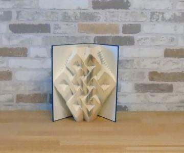 gefaltetes Buch - Knoten // Buchkunst // Bookfolding // Dekoration // Geschenk // Muster - Handarbeit kaufen