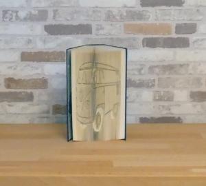 gefaltetes Buch - VW Bulli // Buchkunst // Buchschneidekunst // Bookfolding // Geschenk // Dekoration // Autofan - Handarbeit kaufen