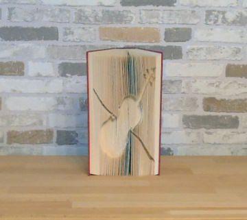 gefaltetes Buch - Geige // Buchkunst // Bookfolding // Geschenk // Dekoration // Musik // Musikliebhaber  - Handarbeit kaufen