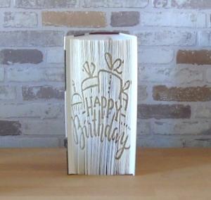 Gefaltetes Buch - Happy Birthday // Buchkunst // Bookfolding // Buchfalten // Geburtstag // Dekoration
