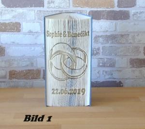 gefaltetes Buch - Ringe mit Datum // Buchkunst // Bookfolding // Hochzeit // Dekoration // Hochzeitsgeschenk - Handarbeit kaufen
