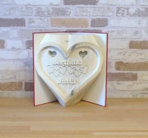 gefaltetes Buch - Herz mit Namen // Buchkunst // Bookfolding // Liebe // Hochzeit // Valentinstag - Handarbeit kaufen