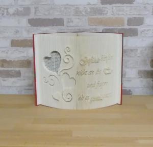 gefaltetes Buch - Gefühle klopfen nicht an die Tür und fragen ob es gerade passt // Buchkunst // Dekoration // Bookfolding // Liebe