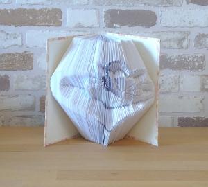 gefaltetes Buch - Herz mit Schmetterling in einem handgebundenen Notizbuch A6 // koptische Bindung // Buchkunst // Bookfolding // Book Art - Handarbeit kaufen