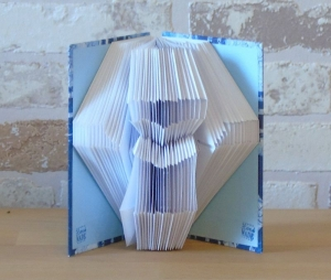 gefaltetes Buch - Kreuz mit Herz in einem handgebundenen Notizbuch A7 // koptische Bindung // Buchkunst // Dekoration // Book Art - Handarbeit kaufen