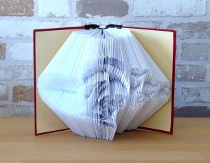 gefaltetes Buch - Herz mit Love in einem handgebundenen Notizbuch // Buchkunst // Geschenk // Muttertag // Valentinstag // Geburtstag - Handarbeit kaufen
