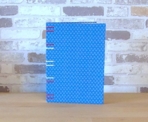 Notizbuch A5 - blau mit Blümchen // Tagebuch // Journal // blanko // Skzzenbuch // Geschenk - Handarbeit kaufen