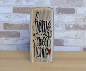 gefaltetes Buch - Home Sweet Home mit Herzchen // Buchkunst // Dekoration // Einzug // neues Zuhause // Geschenk  - Handarbeit kaufen