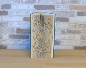 gefaltetes Buch - Blumenornament // Buchkunst // Geschenk // Dekoration // Buchfalten