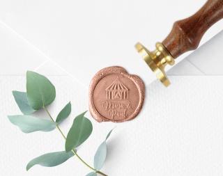 Personalisierter Siegelstempel ZIRKUS ♥ 30mm Durchmesser ♥ gravierte Messingplatte mit Holzgriff montiert