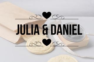 Personalisierter Keksstempel JULIA ♥ 60mm Durchmesser ♥ gravierte Acrylplatte auf Holzgriff montiert  (Kopie id: 100075025)