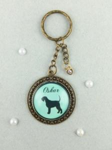 Persönlicher Schlüsselanhänger mit dem Namen eures Hundes und der dazu passenden Silhouette