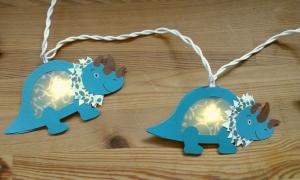 Lichterkette Dino Triceratops, gebastelt aus verschiedenen Papieren, für den Innenbereich  - Handarbeit kaufen