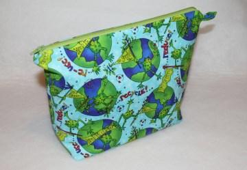 Windeltasche oder Kulturtasche mit Umweltfrosch - Handarbeit kaufen