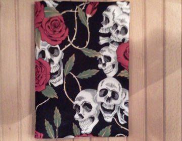 Notizbuch mit Buchhülle A5 - Totenköpfe und Rosen