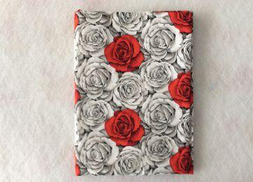 Notizbuch mit Buchhülle A5 -  Rosen allover - Handarbeit kaufen